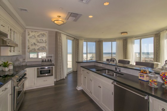Photo 7 by Real Estate Photography for Diamond Beach Penthouse