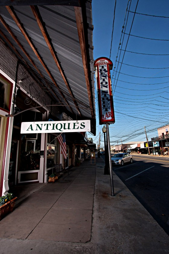 Antique Alley : Monroe, LA Chamber of Commerce Guide 2014