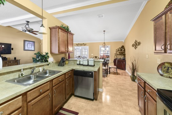 Photo 6 by Kim Lindsey Photography for Real Estate HDR Interiors