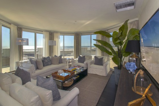 Photo 5 by Real Estate Photography for Diamond Beach Penthouse