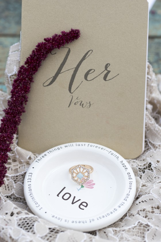 Photo 15 by Lisa Haynes for Wedding Product Photography